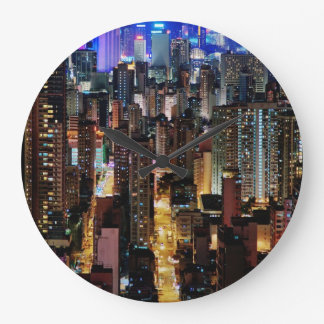 Reloj de pared grande del horizonte de la ciudad d
