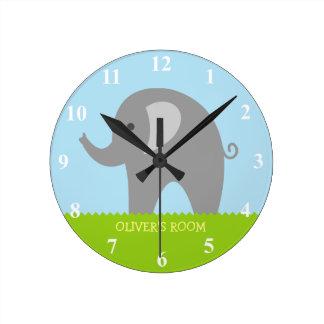 Reloj de pared gris lindo del cuarto de niños del