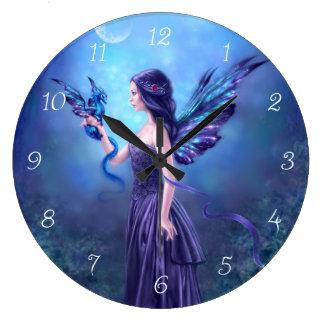 Reloj de pared iridiscente del arte de la hada y