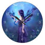 Reloj de pared iridiscente del arte de la hada y d