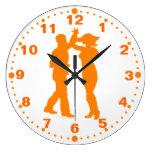 Reloj de pared latino de la vuelta de la danza de