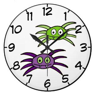 Reloj de pared lindo de Halloween de las arañas