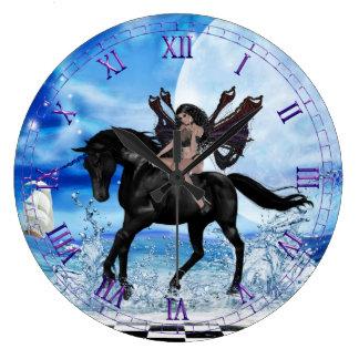 Reloj de pared negro del unicornio
