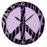 Reloj de pared negro púrpura del estampado de zebr