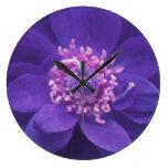 Reloj de pared púrpura de la mandala del pétalo