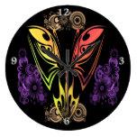 Reloj de pared redondo de la mariposa