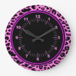 Reloj de pared redondo del leopardo rosado