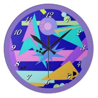 Reloj de pared retro del modelo de los años 80
