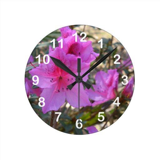 Reloj de pared rosado de las azaleas