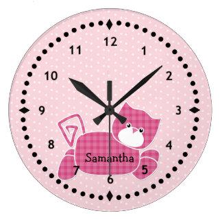 Reloj de pared rosado del cuarto de niños del gati