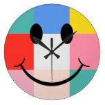 Reloj de pared sonriente de la cara