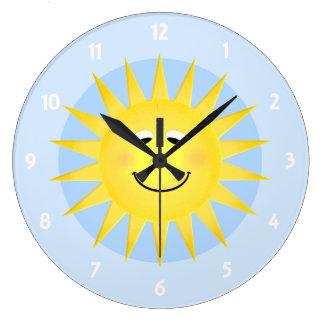 Reloj de pared sonriente de Sun
