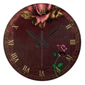 Reloj de pared subió gótico