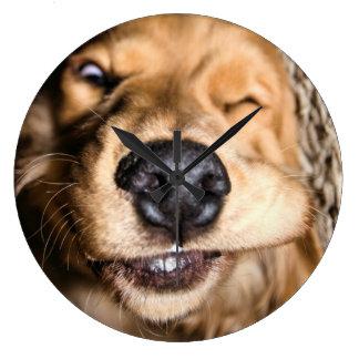 Reloj de pared tonto del perro