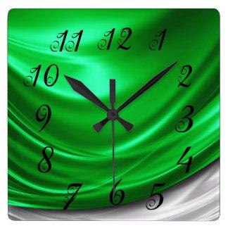 Reloj de pared verde del satén