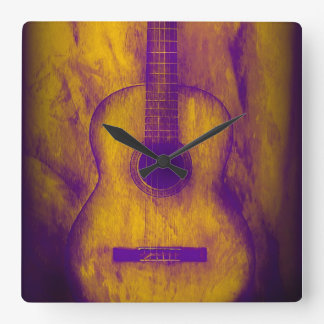 Reloj de pared viejo de la guitarra