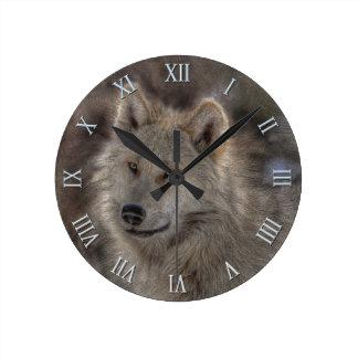 Reloj de plata del arte de la fauna del lobo