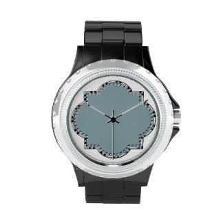 Reloj de Quatrefoil de Leslie Harlow 503