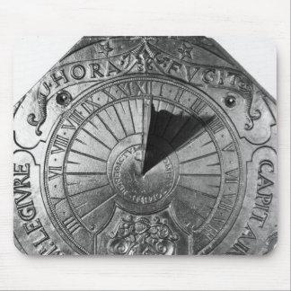 Reloj de sol portátil, del castillo 1756 de Sierk Tapete De Ratones
