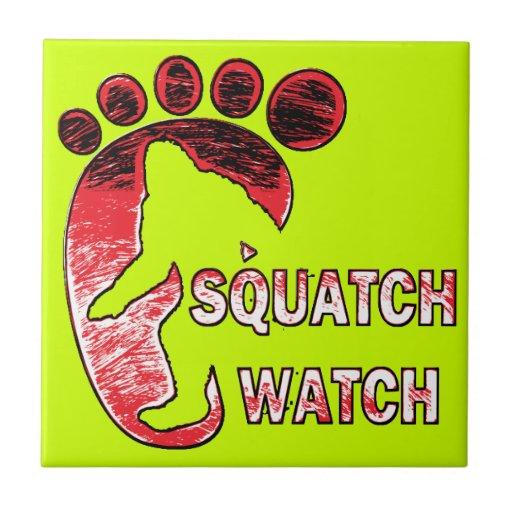 Reloj de Squatch Azulejo Cuadrado Pequeño
