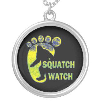 Reloj de Squatch Colgante Redondo
