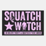 Reloj de Squatch - letras apenadas rosa del Grunge Rectangular Pegatina