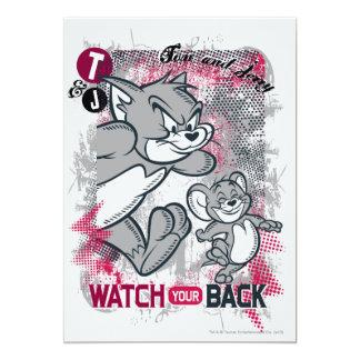 Reloj de Tom y Jerry su parte posterior Invitaciones Personalizada