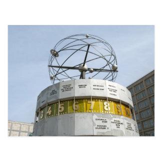 Reloj de Worldtime en Berlín Postal