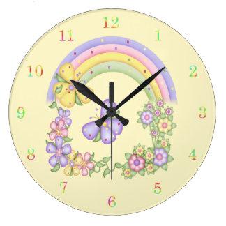 Reloj del arco iris y de pared de las mariposas