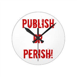 Reloj del arrendamiento - publique o fallezca
