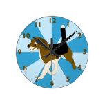 Reloj del beagle del dibujo animado