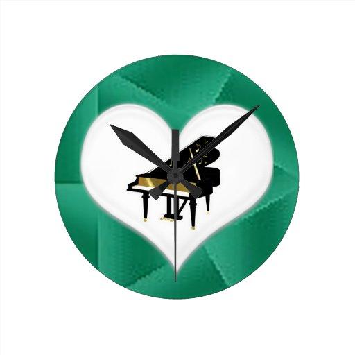 Reloj del corazón del piano de cola