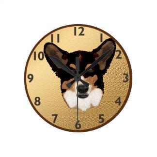 Reloj del Corgi Galés de la rebeca