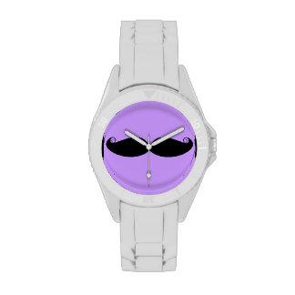 Reloj del diseño del bigote