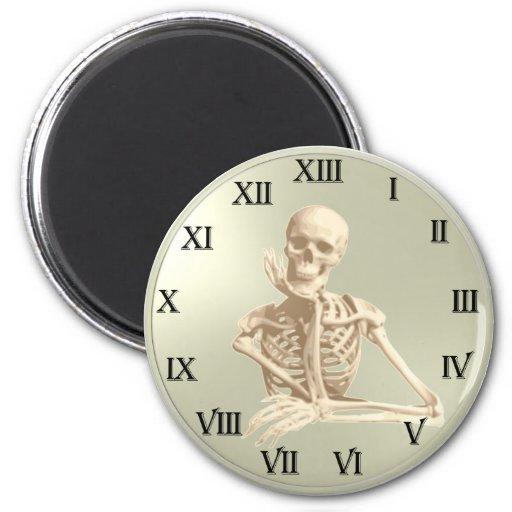 Reloj del esqueleto de 13 horas iman de nevera