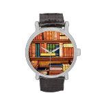 Reloj del estante de la biblioteca del vintage de