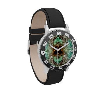 Reloj del ojo del oro del vidrio verde