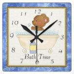 Reloj del oso del tiempo del baño