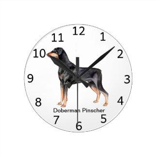 Reloj del perro del Pinscher del Doberman