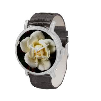 Reloj del rosa blanco