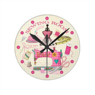 Reloj del sitio de costura