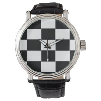 Reloj del tablero de damas del hombre