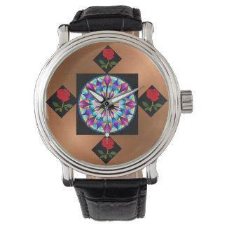 reloj del vintage con los rosas rojos y el