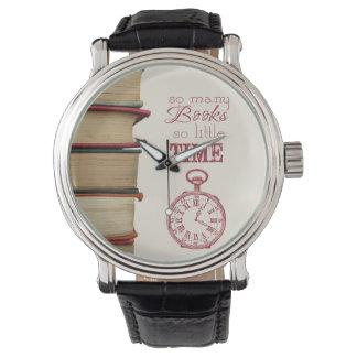 reloj del vintage de los aficionados a los libros