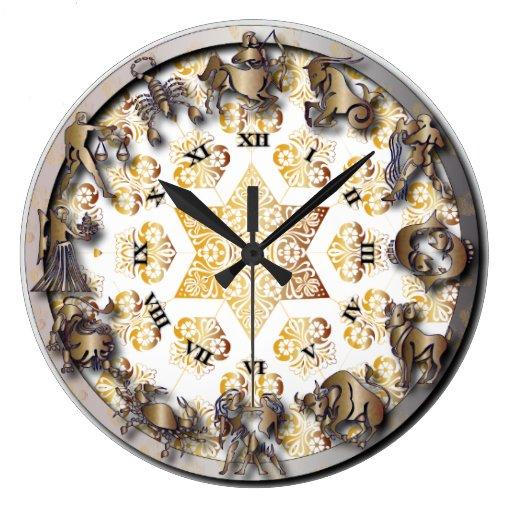 Reloj del zodiaco de la resplandor del oro y de la