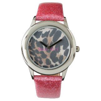 reloj descarado del leopardo del chica