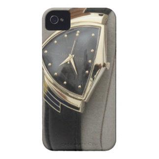Reloj eléctrico c.1957 de Hamilton Ventura iPhone 4 Case-Mate Cárcasa