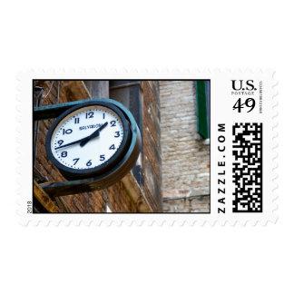 Reloj en la pared exterior sellos