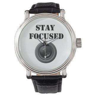 reloj enfocado estancia