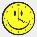 Reloj feliz de la cara del hippy